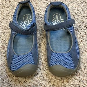 Keen shoes. BNWOT.